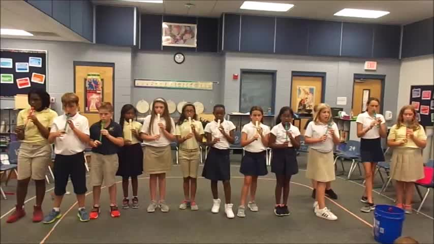 "18-19 Ms. Hank's 5th grade class ""Hot Cross Buns"""