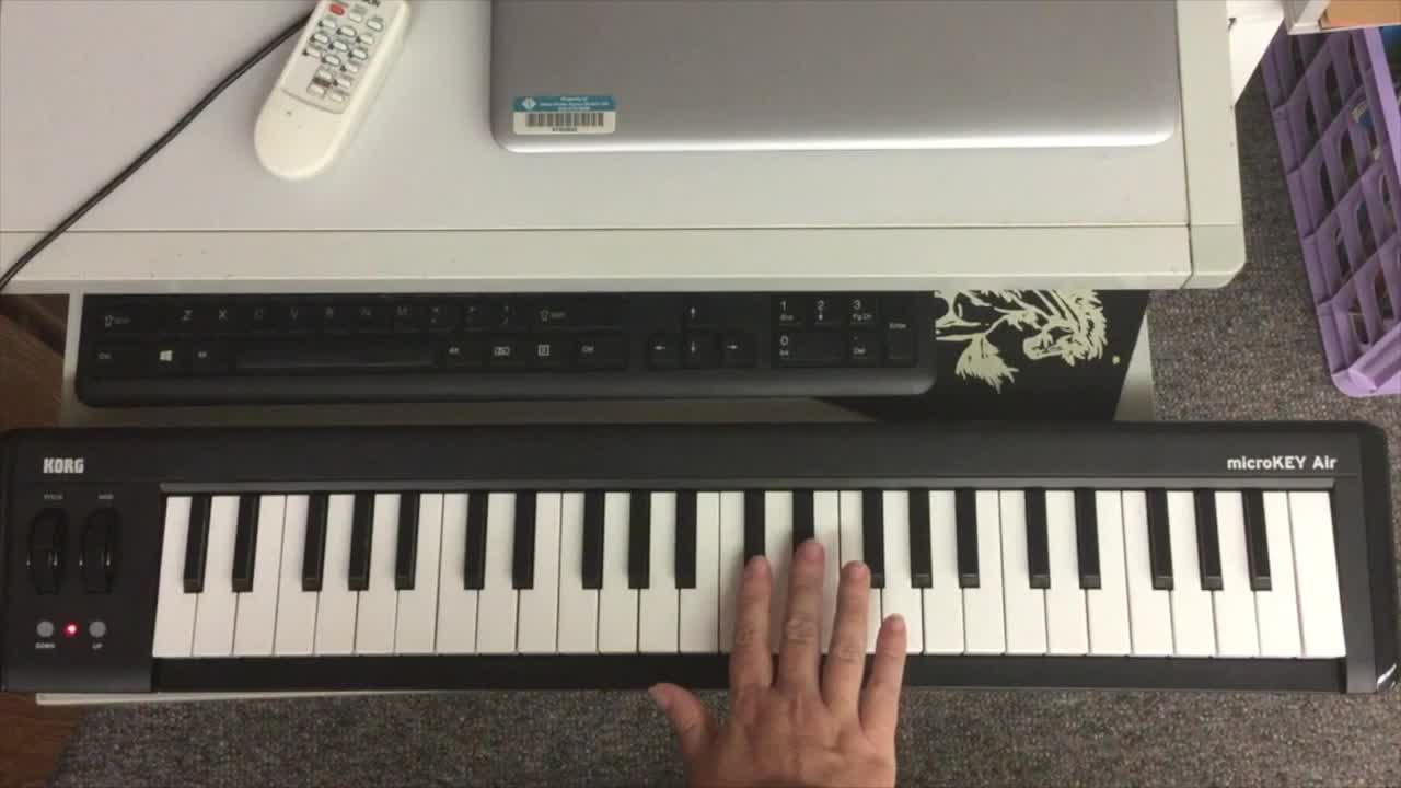 Piano Keyboard Lesson 1