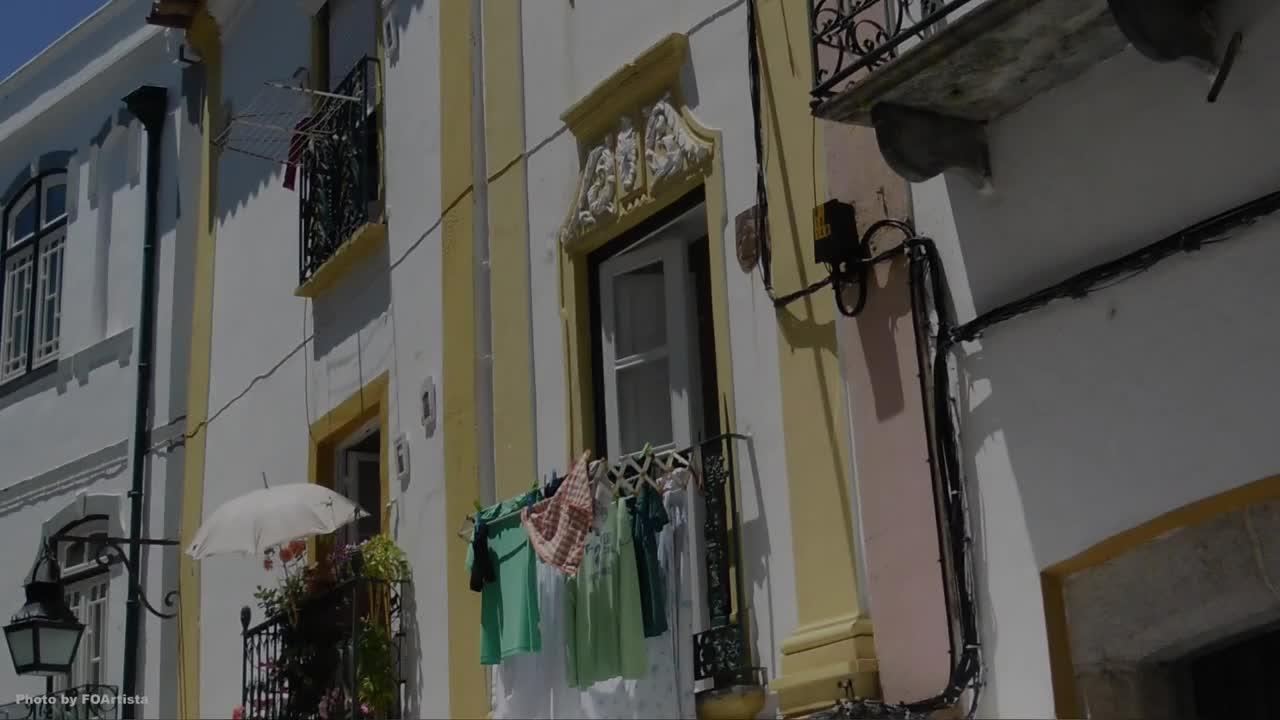 Be Happy in Évora, Portugal