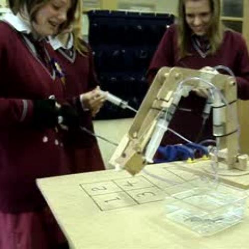 Hydraulic Robot Arm_Cheltenham Girls High