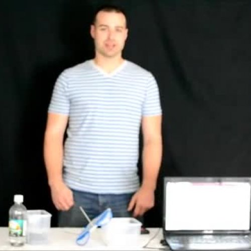 NeuLog temperature sensor demonstration: Exot